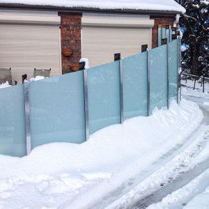 custom-glass-pool-fencing
