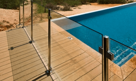 custom-glass-pool-fencing